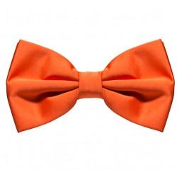 Oranžový motýlik s pevným uzlom