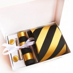 Dárková sada žlutá kravata, kapesníček, manžetové knoflíčky a kravatová spona