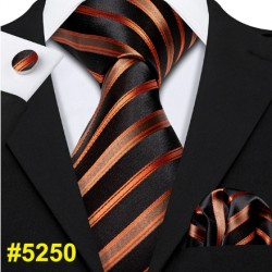 Darčeková sada čierná kravata, vreckovka a manžetové gombíky